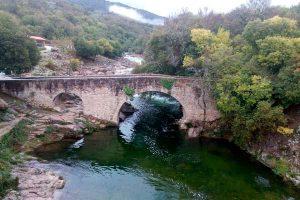 Charco natural puente parral Jarandilla